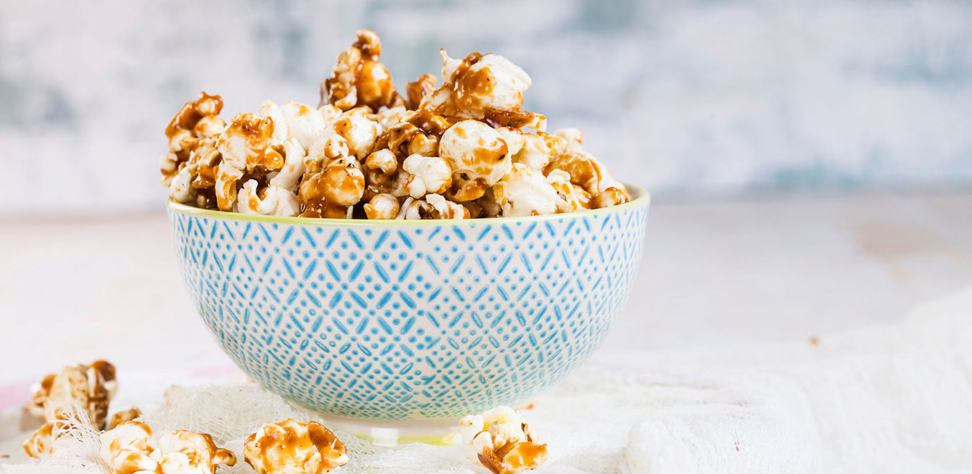 Caramel popcorn in a bowl